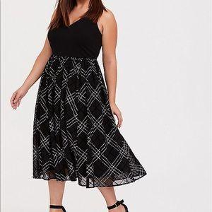 Nwt Torrid size 18 Black Ponte Mesh Mid Dress